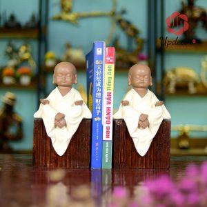 Chặn Sách Đẹp Để Bàn Chú Tiểu Trang Trí