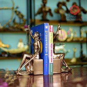 Chặn Sách Tượng Nữ Thần Công Lý Trang Trí Tủ Sách, Decor Bàn Làm Việc