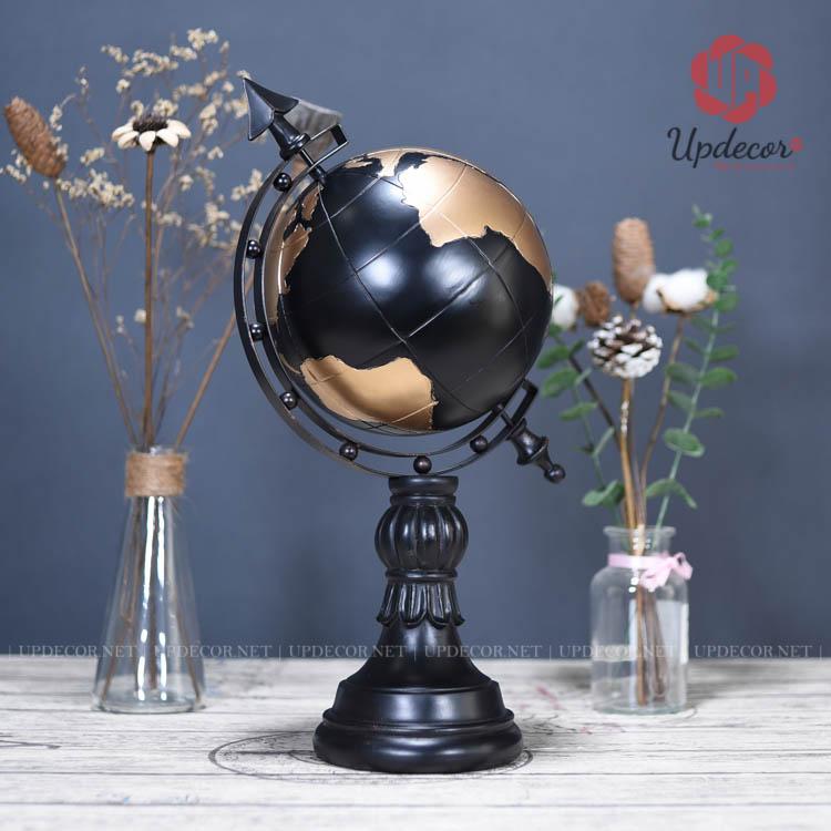 Trên quả địa cầu đều khắc họa rõ năm châu lục trên thế giới