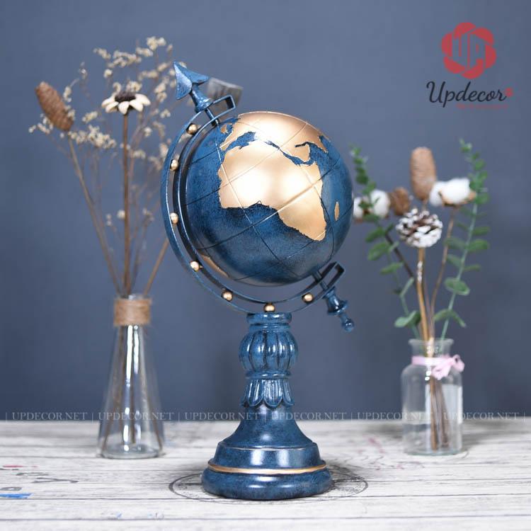 Do thiết kế dạng trụ và tròn nên mọi góc nhìn của quả địa cầu đều rất hài hòa và đẹp mắt