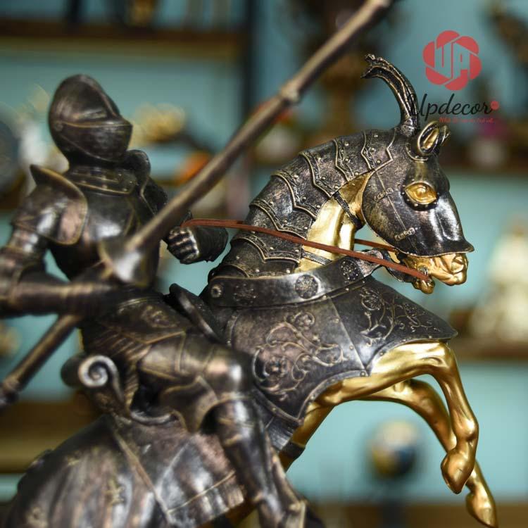 sản phẩm chiến binh La Mã cực kì lý tưởng cho trang trí nhà cửa, văn phòng hội nghị hay làm quà tặng.