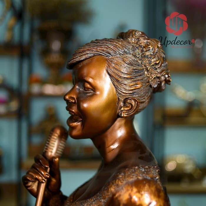 Tượng Nữ Ca Sĩ Solo Trang Trí Nhà Cửa, Decor Nội Thất