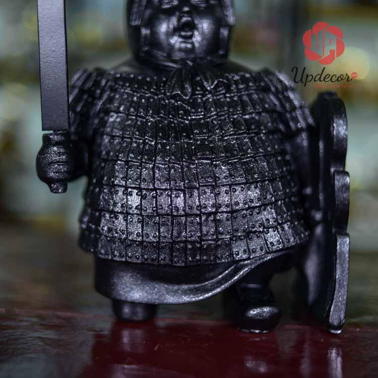 Chi tiết áo giáp được gia công chi tiết và sắc nét
