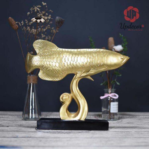 Cả hai mặt của sản phẩm đều rất đẹp, quý khách có thể thoải mái lựa chọn đặt hướng của cá rồng cho hợp phong thủy