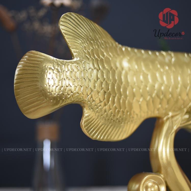Hình ảnh chi tiết phần đuôi của tượng cá rồng