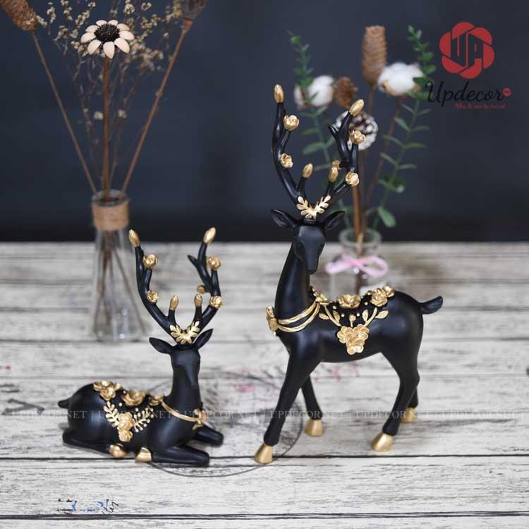 Chỉ với màu đen chủ đạo và màu vàng đồng ở những vị trí hoa văn tạo nên một sản phẩm rất độc đáo và sang trọng