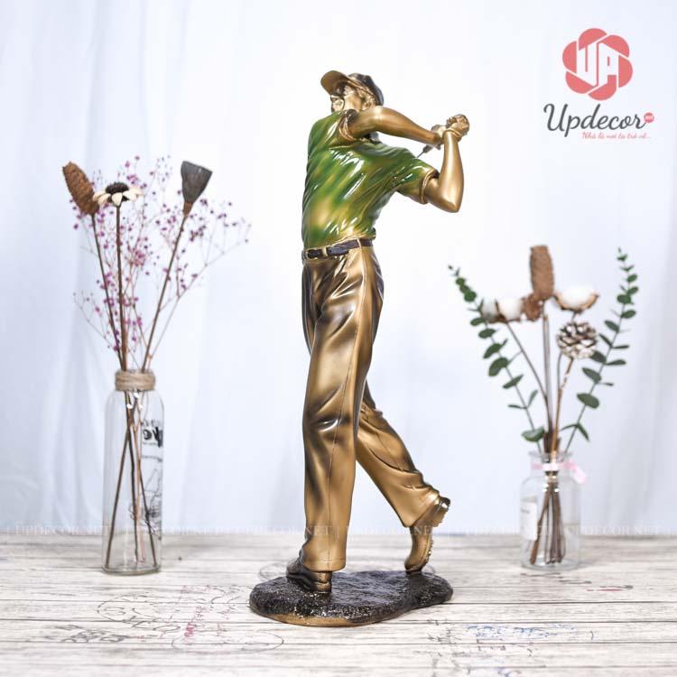 Tượng đánh golf nam có chiều cao tổng thể là 53 Cm, đây là kích thước vừa phải để trang trí kệ tivi phòng khách và bàn làm việc