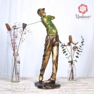 Tượng đánh golf nam thể hiện một dáng người đàn ông đang phát bóng rất tinh tế và sống động
