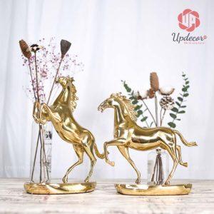 Tượng ngựa phong thủy bằng đồng là một trong những vật phẩm cao cấp dùng làm đồ trang trí nhà
