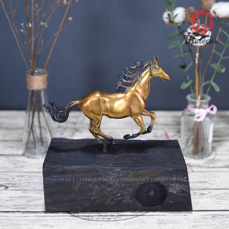 Có lẽ đây là một món quà tặng rất ý nghĩa dành cho những người tuổi ngựa và hợp với tuổi ngựa