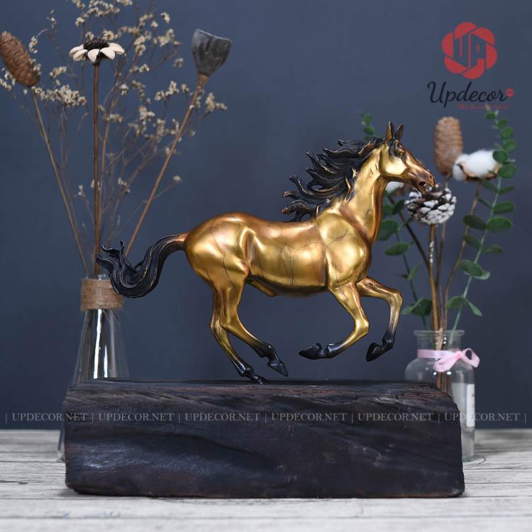Ngựa chính là một loài động vật trung thành được sử dụng cho nông nghiệp và cho các chiến binh thời xa xưa