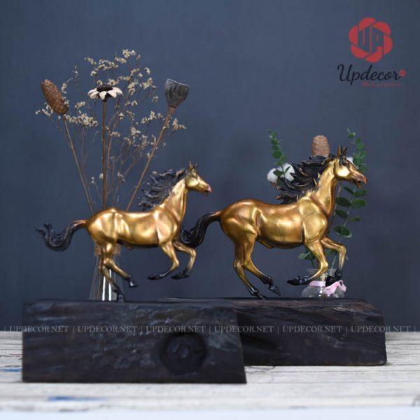Tượng ngựa phong thủy bằng đồng nguyên chất là một món đồ trang trí cực kỳ đẳng cấp