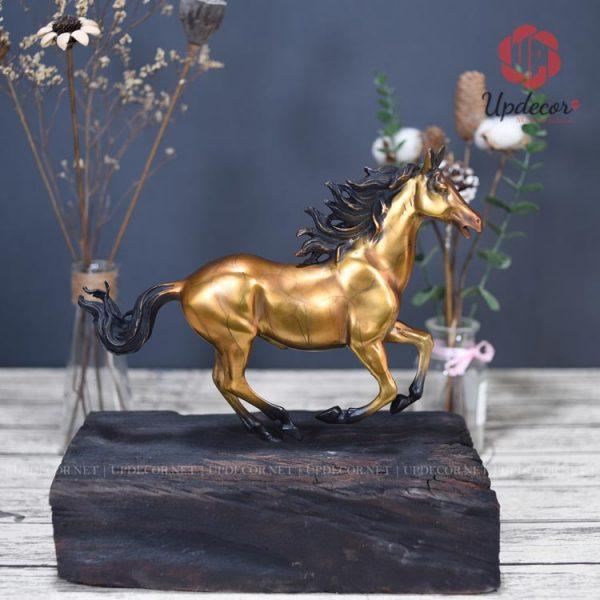 Một hình ảnh được xem như là tĩnh nhưng rất sống động của chú ngựa