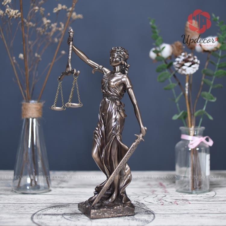 Tượng nữ thần công lý cao 31 Cm rất dễ thương