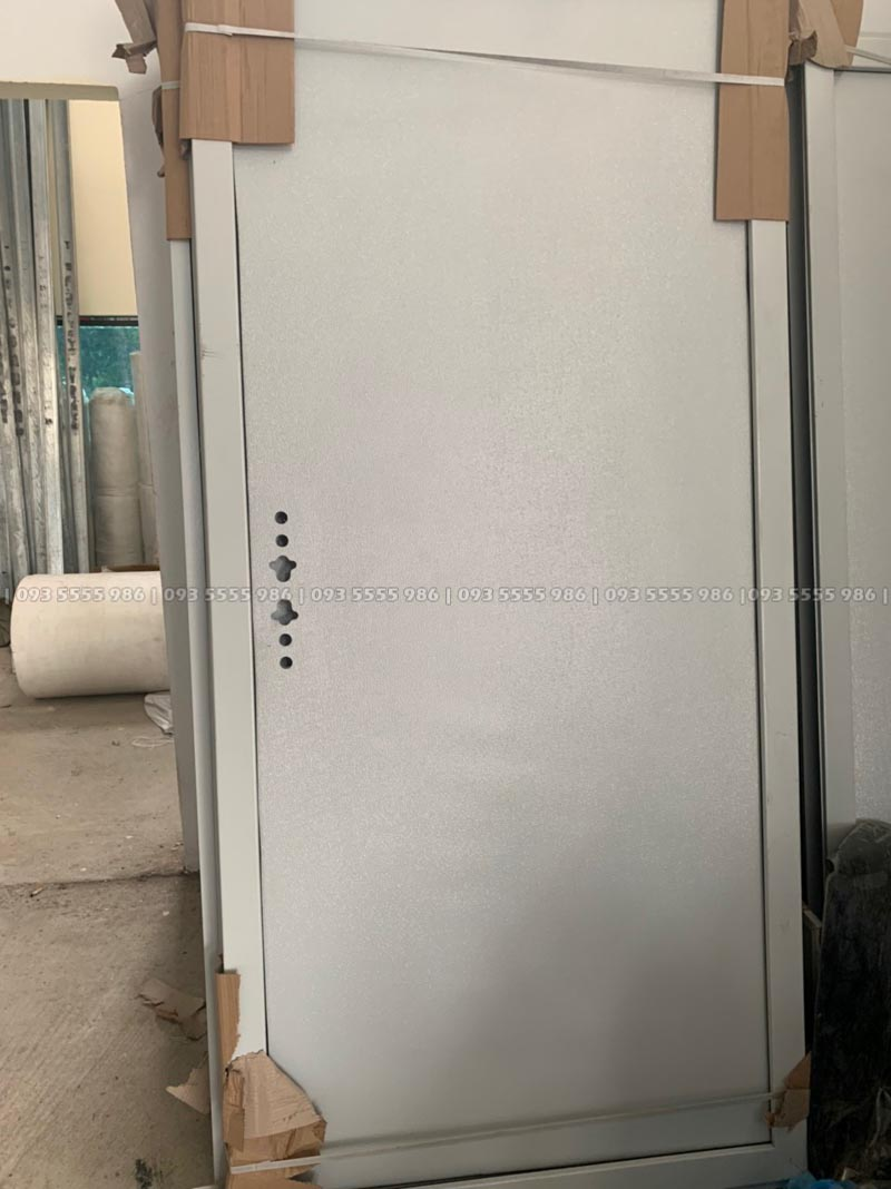 Lắp đặt hệ thống cửa chính