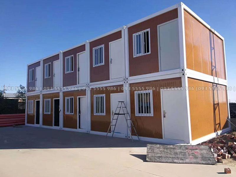 Mẫu nhà container 2 tầng cực kỳ chắc chắn và đẹp mắt, ngôi nhà này chúng tôi đang trong quá trình hoàn thiện và chưa lắp ráp hành lang và mái che