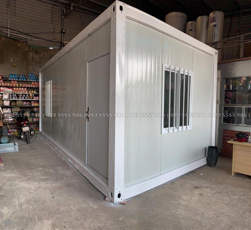 Sản phẩm chính của chúng tôi cung cấp có một cửa đi chính và đi kèm là hai cửa sổ