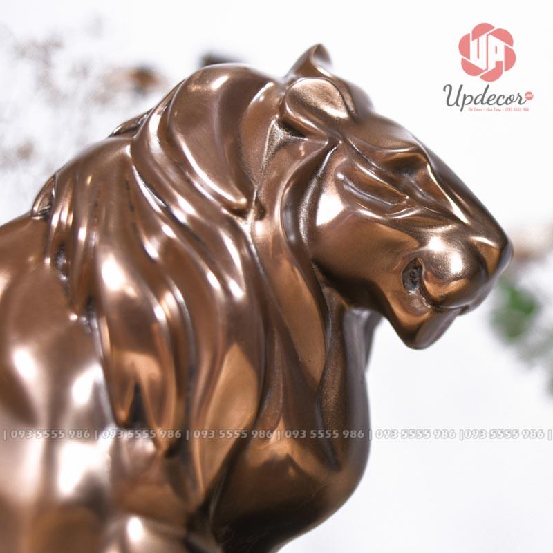 Các đường nét bờm sư tử, tai, mắt mũi được tạo hình khối rất hiện đại