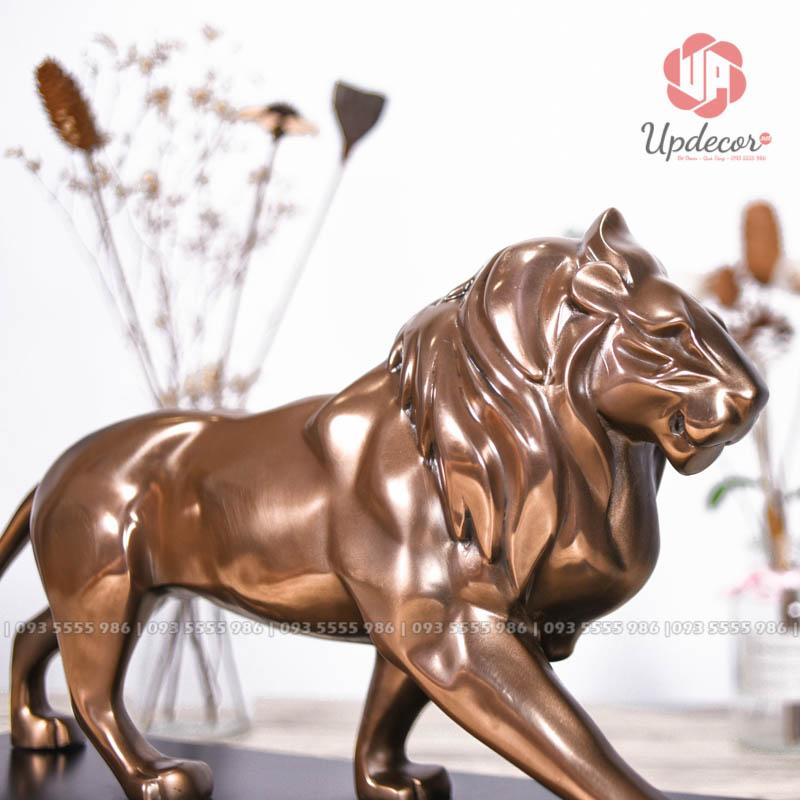 Tác phẩm điêu khắc này được gia công và thiết kế rất tinh xảo và sắc nét