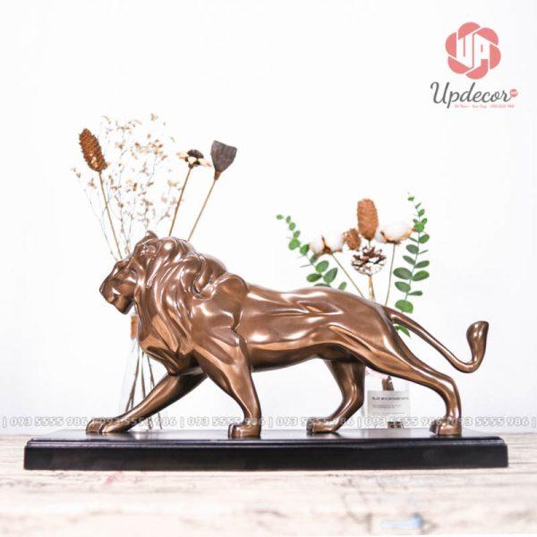 Tượng sư tử decor trang trí là một tác phẩm điêu khắc không thể thiếu trên bàn làm việc